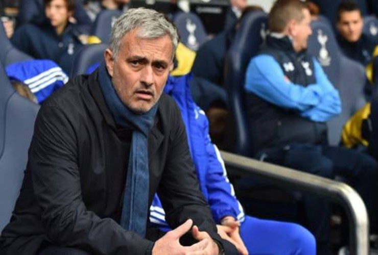 Josè Mourinho nascosto nella cesta della lavanderia - SportMeteoweek