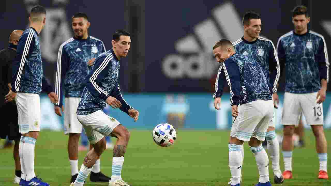 Al centro: Angel di Maria e Papu Gomez si allenano con la Nazionale argentina, 12 novembre 2020 (foto di Marcelo Endelli/Getty Images)