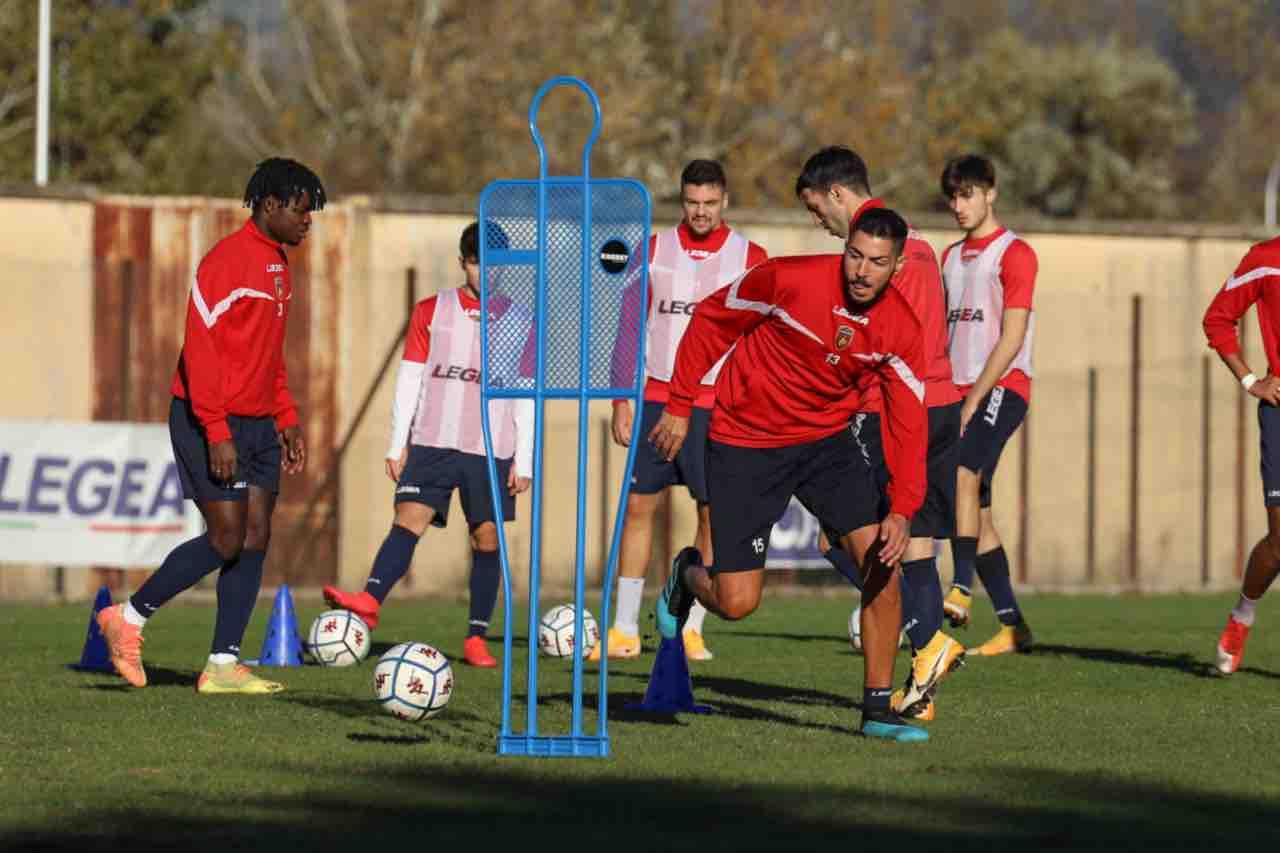 Cosenza al lavoro in vista del match di Ascoli