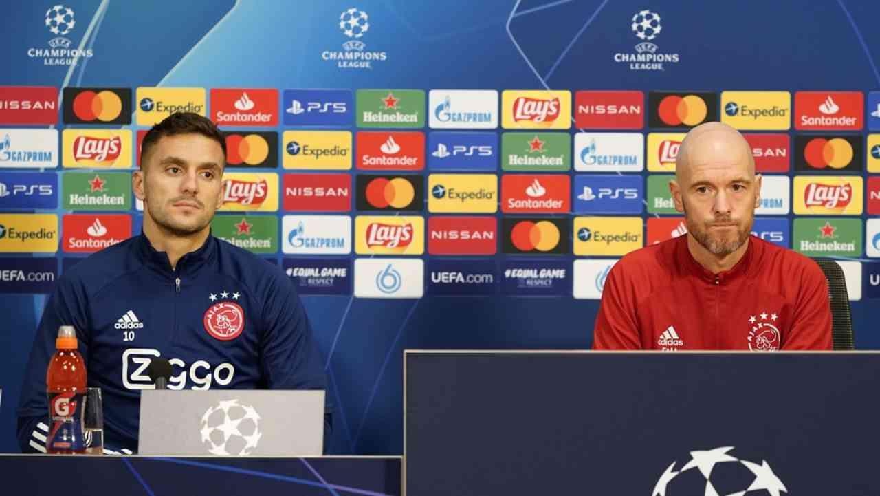 Dusan Tadic ed il tecnico dell'Ajax ten Hag durante la conferenza stampa (Foto © Ajax)