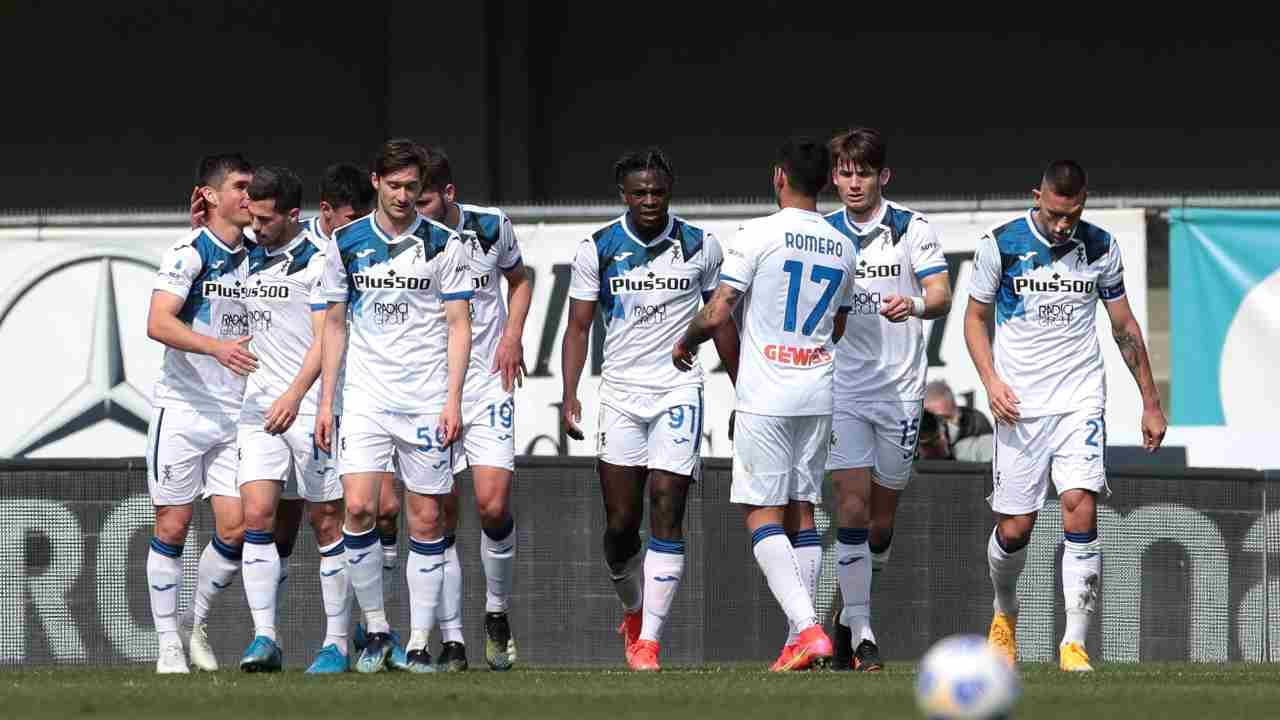 Atalanta, al centro: il numero 91, Duvan Zapata, dopo aver segnato la rete dello 0-2 sull'Hellas Verona. Serie A, 21 marzo 2021 (foto di Emilio Andreoli/Getty Images).