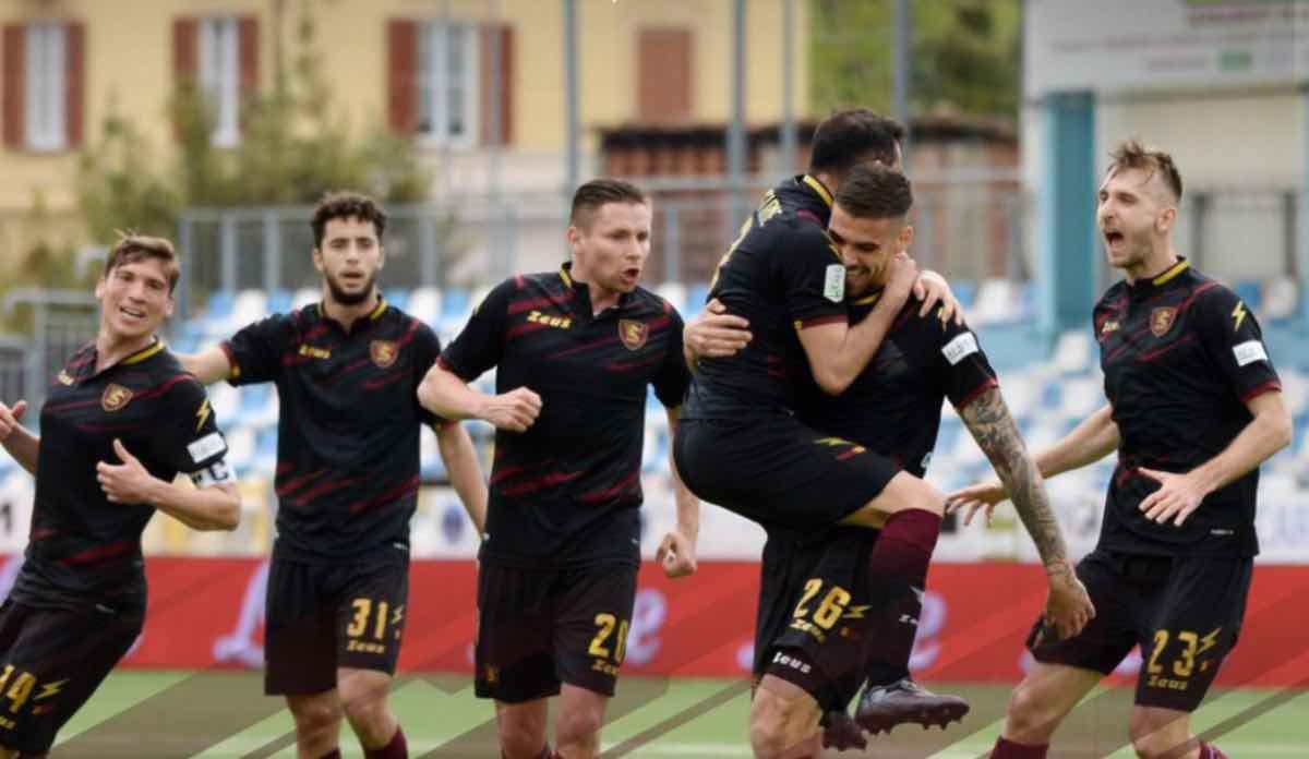 Granata esultano dopo un gol contro l'Entella