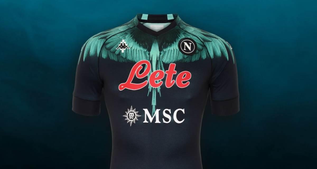 La nuova maglia del Napoli in collaborazione con Marcelo Burlon.. Sito ufficiale Napoli