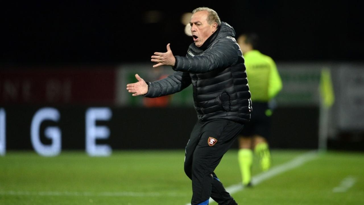 Salernitana, l'allenatore Fabrizio Castori a bordocampo (foto © Photo Ianuale).