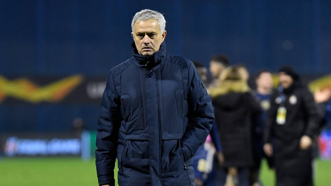 Tottenham, l'allenatore Jose Mourinho dopo la sconfitta contro la Dinamo Zagabria. Europa League, 18 marzo 2021 (foto di Jurij Kodrun/Getty Images).