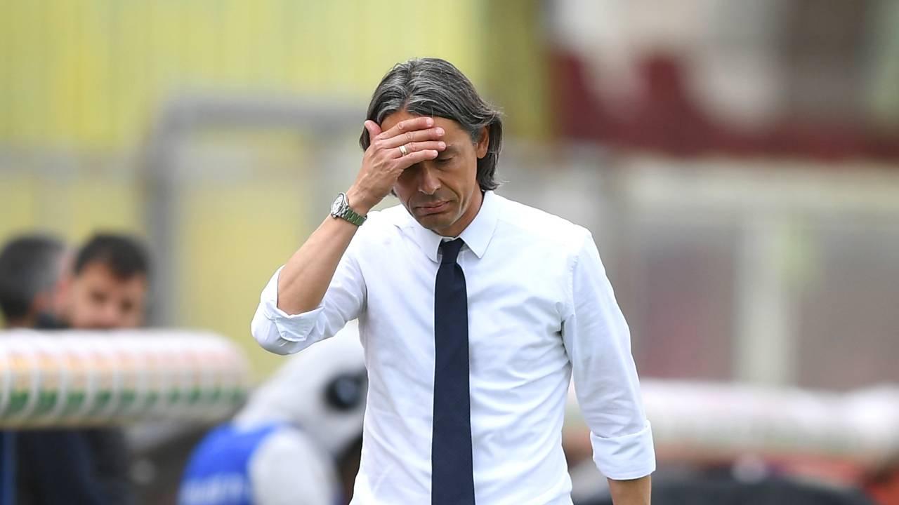 Benevento, l'allenatore Pippo Inzaghi a bordocampo nello Stadio Ciro Vigorito durante la gara con il Crotone. Serie A, 16 maggio 2021 (foto di Francesco Pecoraro/Getty Images).