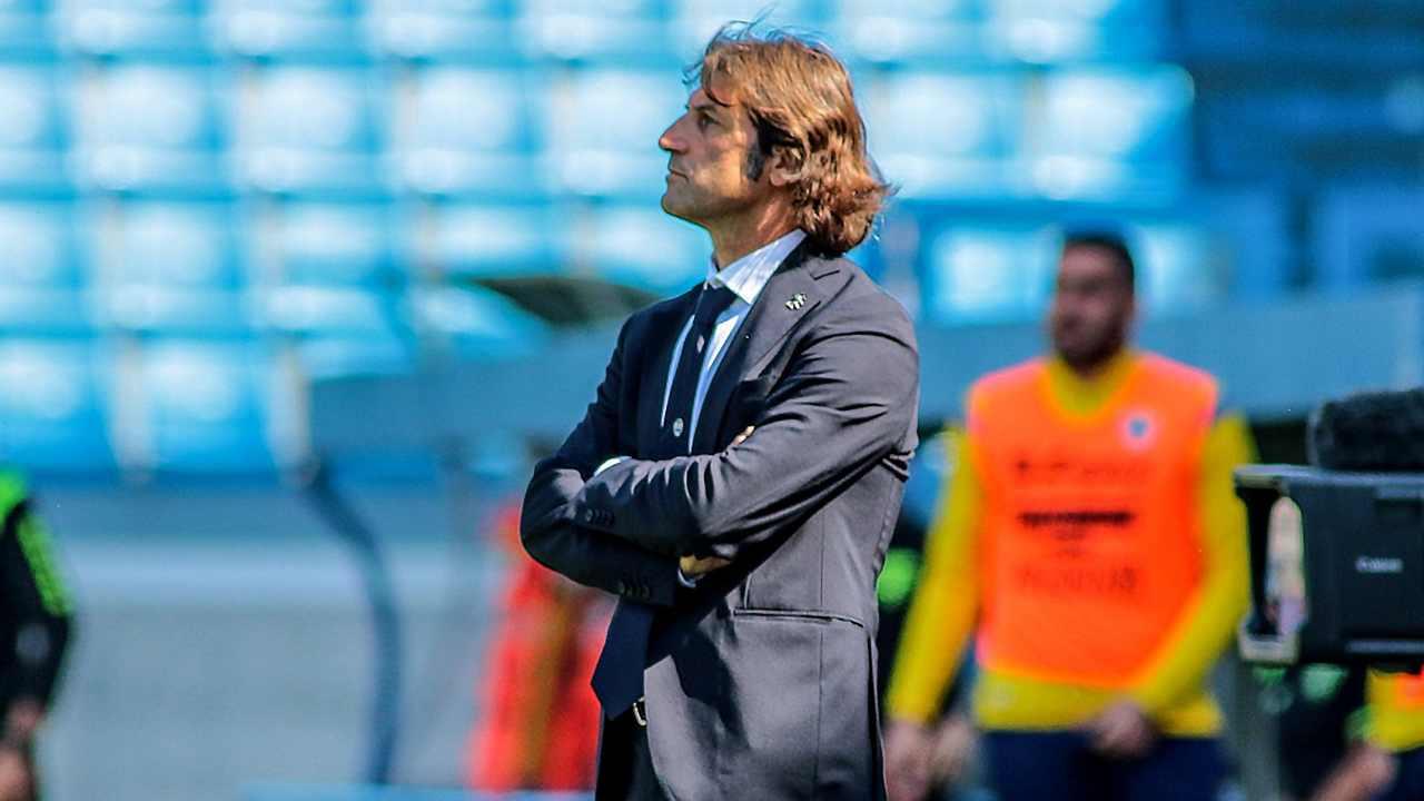 SPAL, il tecnico Massimo Rastelli a bordocampo nello Stadio Paolo Mazza durante la gara con il Frosinone. Serie B, 4 maggio 2021 (foto © SPAL Ferrara).