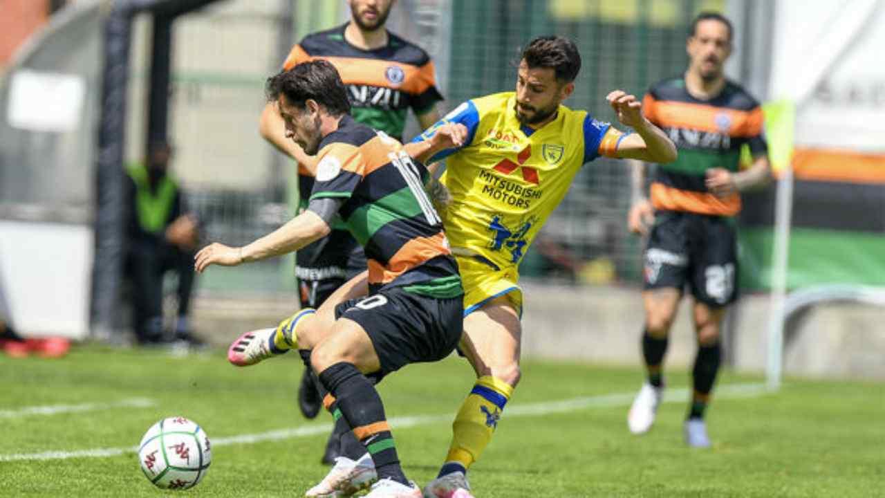 Un momento della partita di Serie B Venezia-Chievo Verona disputata il primo maggio nello Stadio Pierluigi Penzo (foto © Venezia FC).